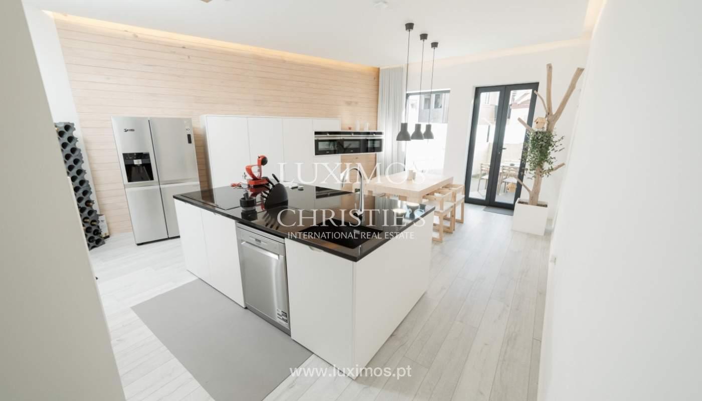 Verkauf-villa 3 Etagen, mit Terrasse, im Zentrum von Porto, Portugal_104301