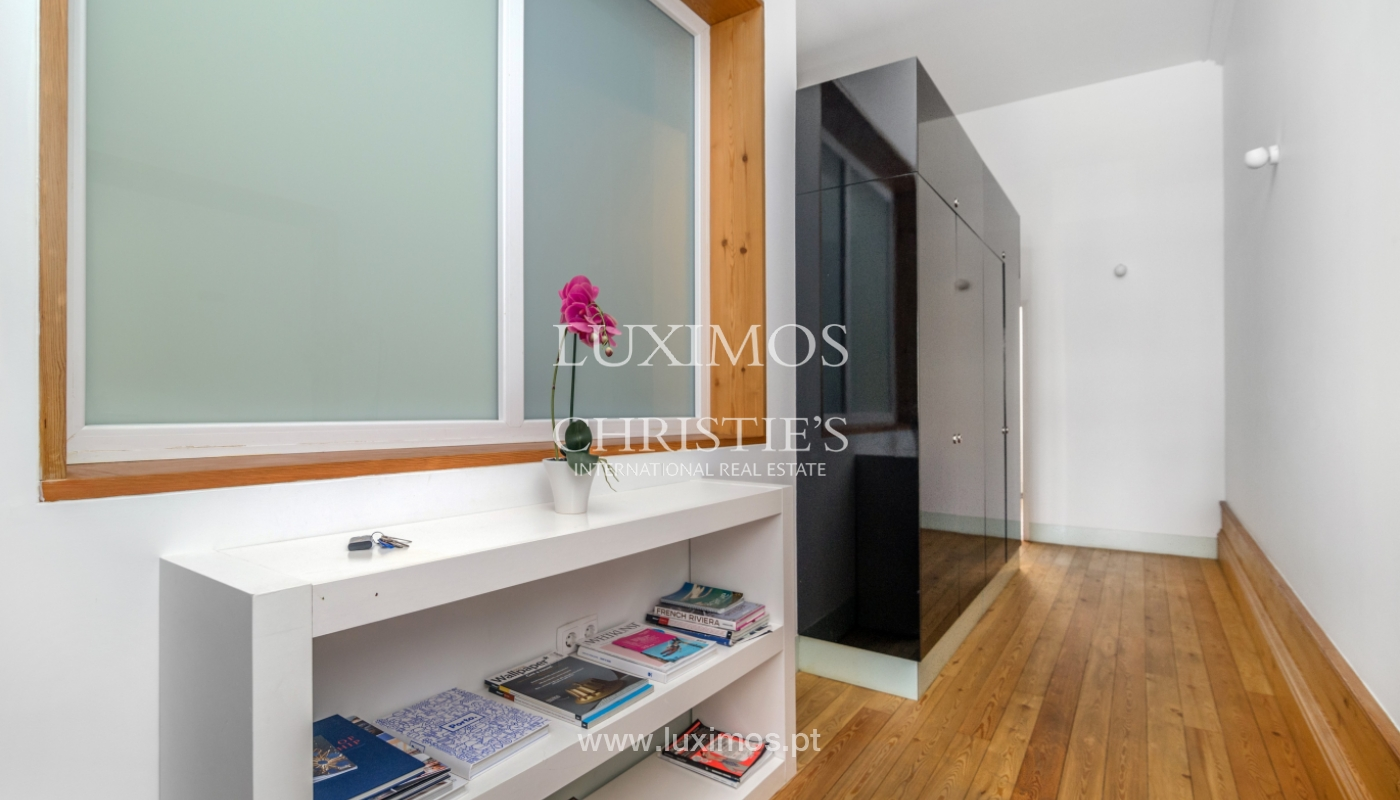 Sale of apartment in the historic centre of Porto, Portugal_104411