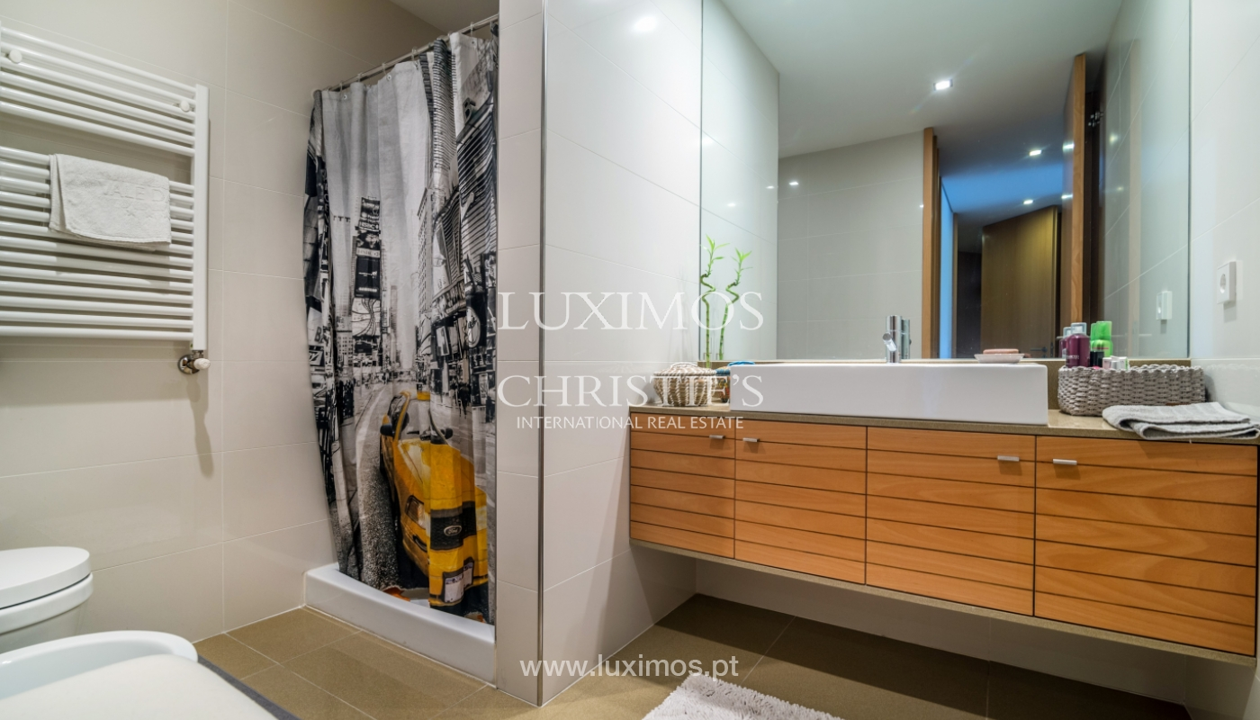 The sale of a luxury apartment with a balcony and a view of the river, the Harbor_104498