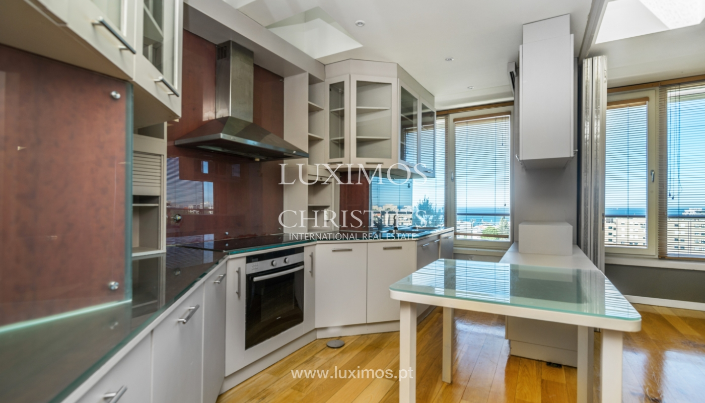 Sale of modern penthouse, river views, Pinhais da Foz, Porto, Portugal_104542