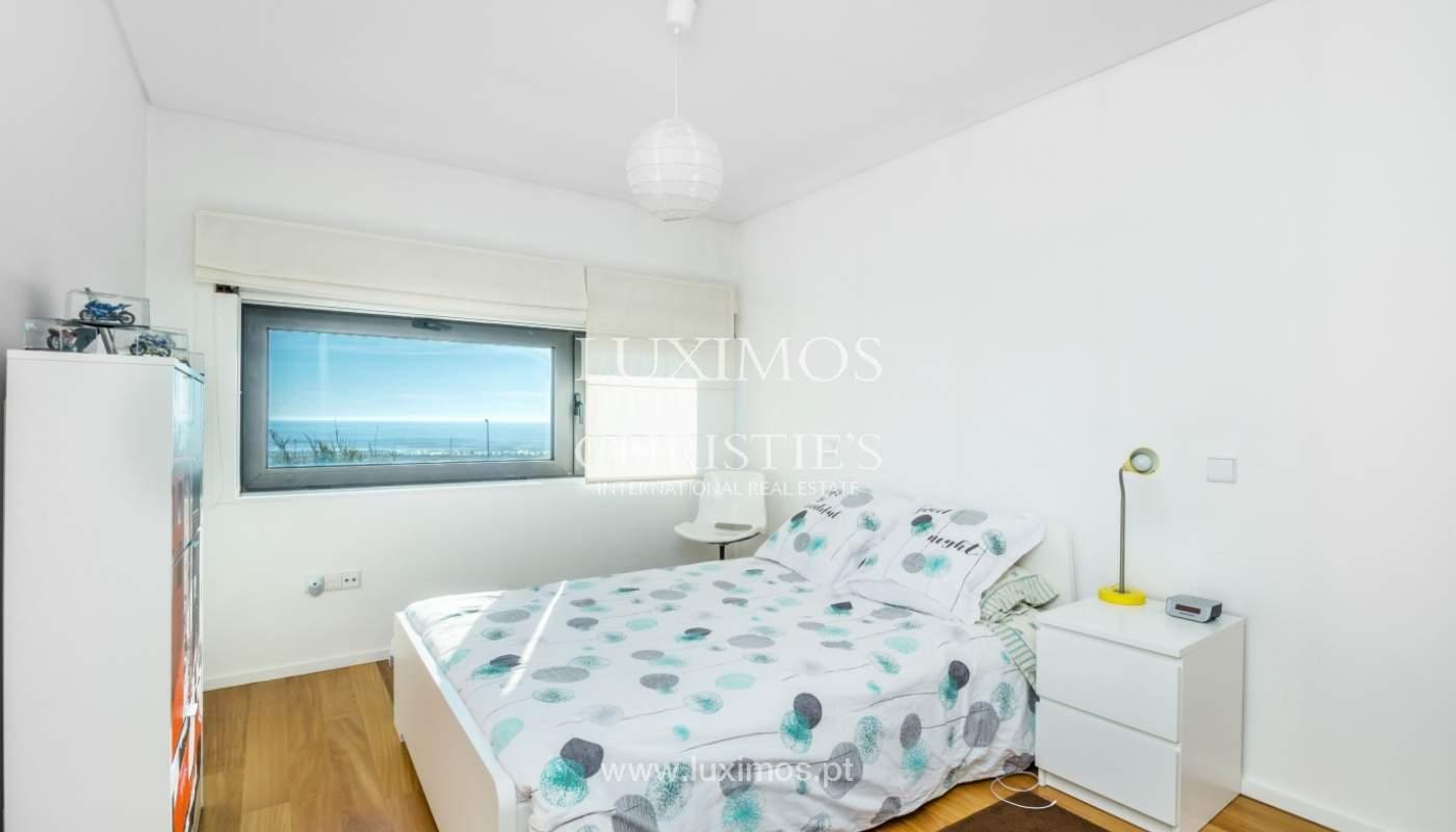 Maison moderne avec jardin, en 1ª ligne de plage, à vendre Lavra, Portugal_104869