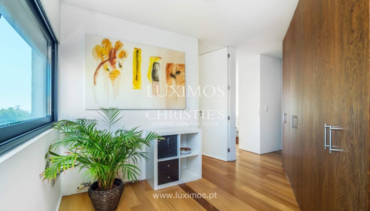 Maison moderne avec jardin, en 1ª ligne de plage, à vendre Lavra, Portugal_104870