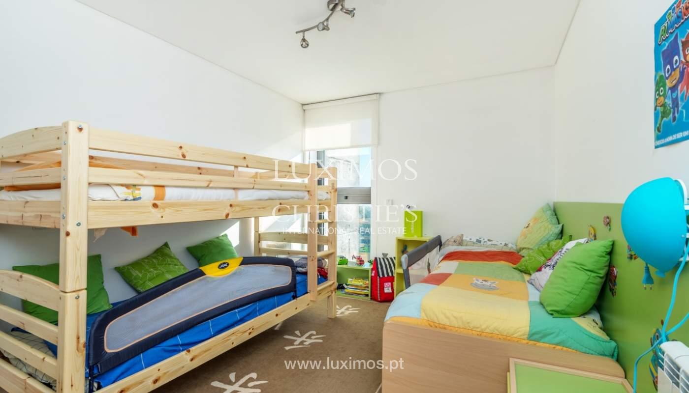 Maison moderne avec jardin, en 1ª ligne de plage, à vendre Lavra, Portugal_104871