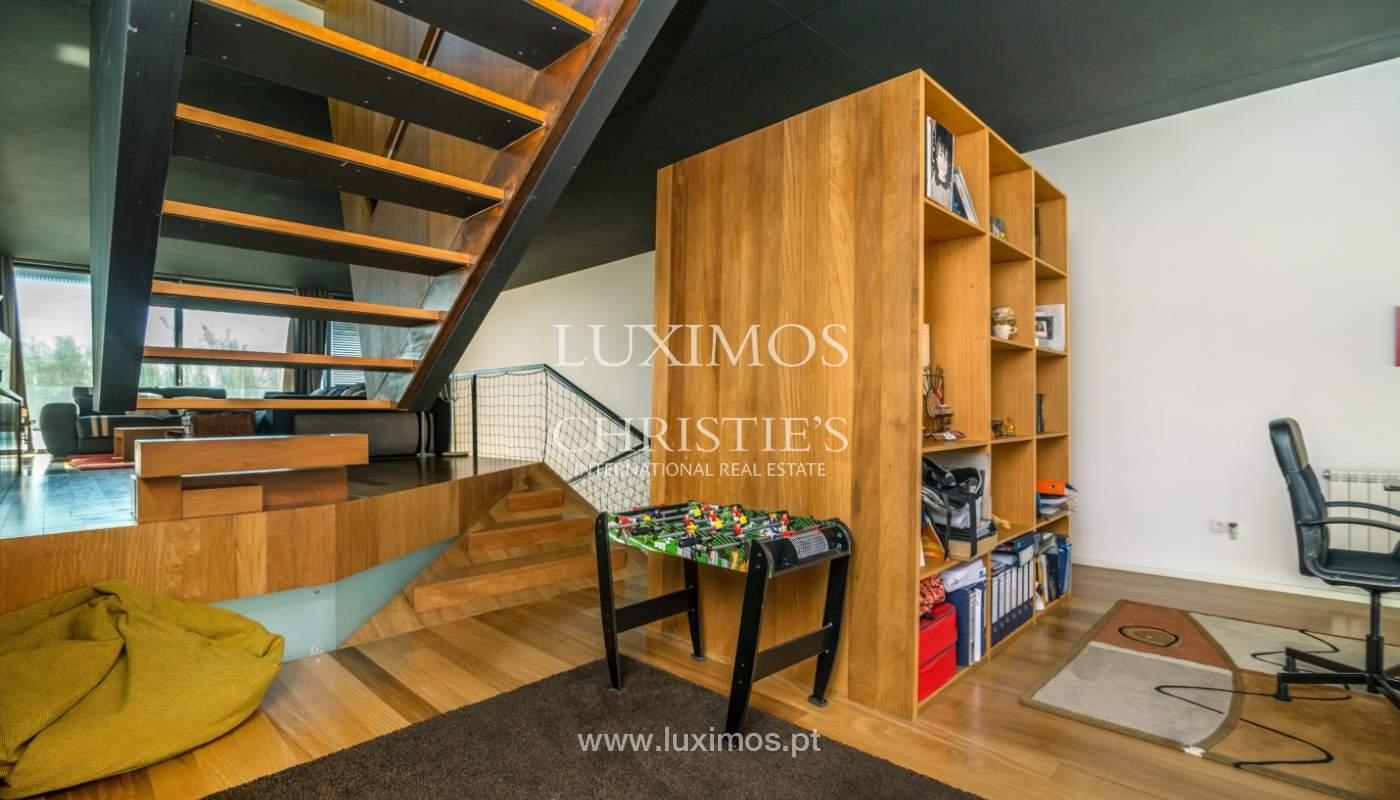 Maison moderne avec jardin, en 1ª ligne de plage, à vendre Lavra, Portugal_104879