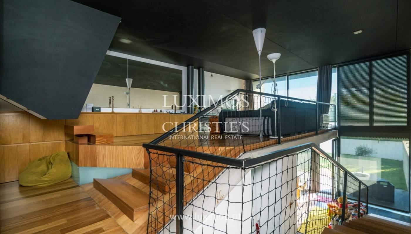 Maison moderne avec jardin, en 1ª ligne de plage, à vendre Lavra, Portugal_104880