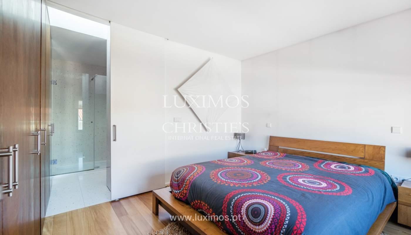 Maison moderne avec jardin, en 1ª ligne de plage, à vendre Lavra, Portugal_104881