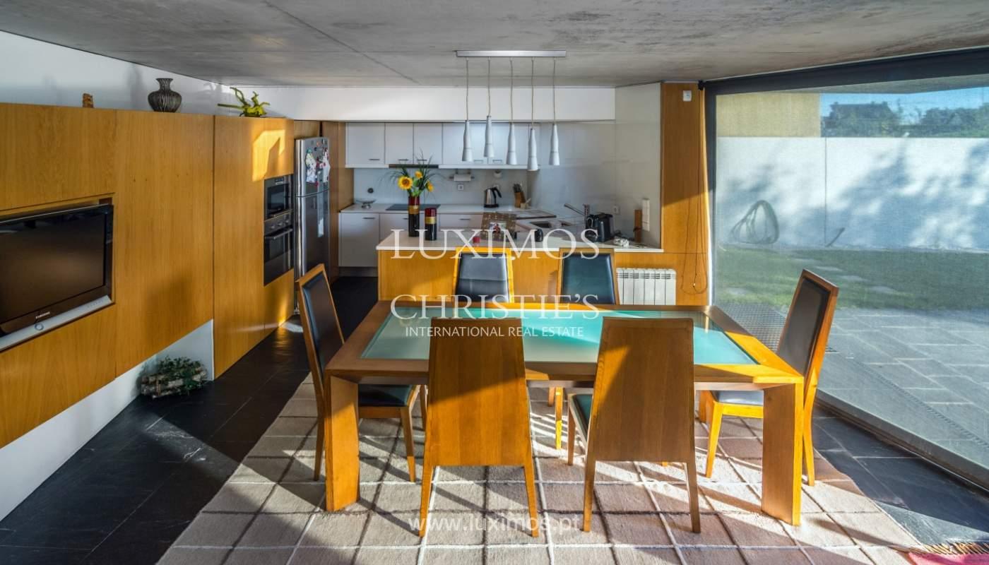Maison moderne avec jardin, en 1ª ligne de plage, à vendre Lavra, Portugal_104885