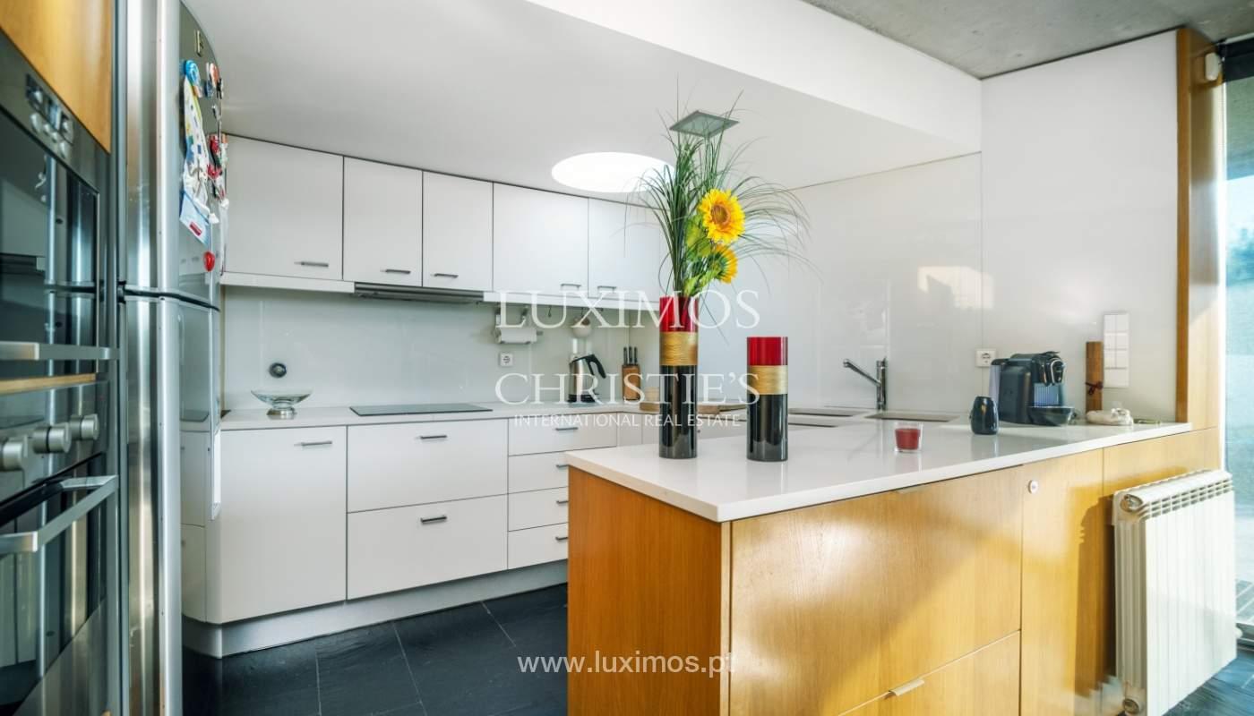 Maison moderne avec jardin, en 1ª ligne de plage, à vendre Lavra, Portugal_104886