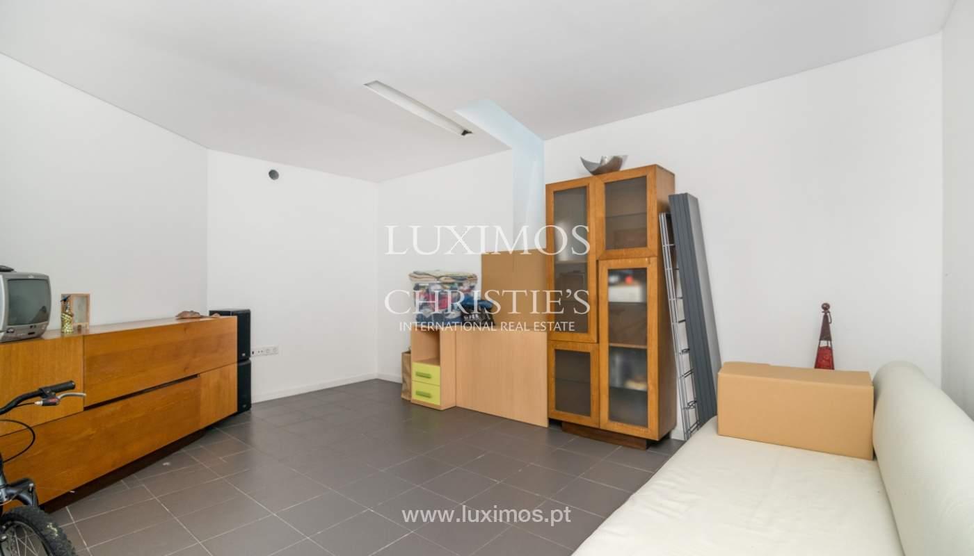 Maison moderne avec jardin, en 1ª ligne de plage, à vendre Lavra, Portugal_104889