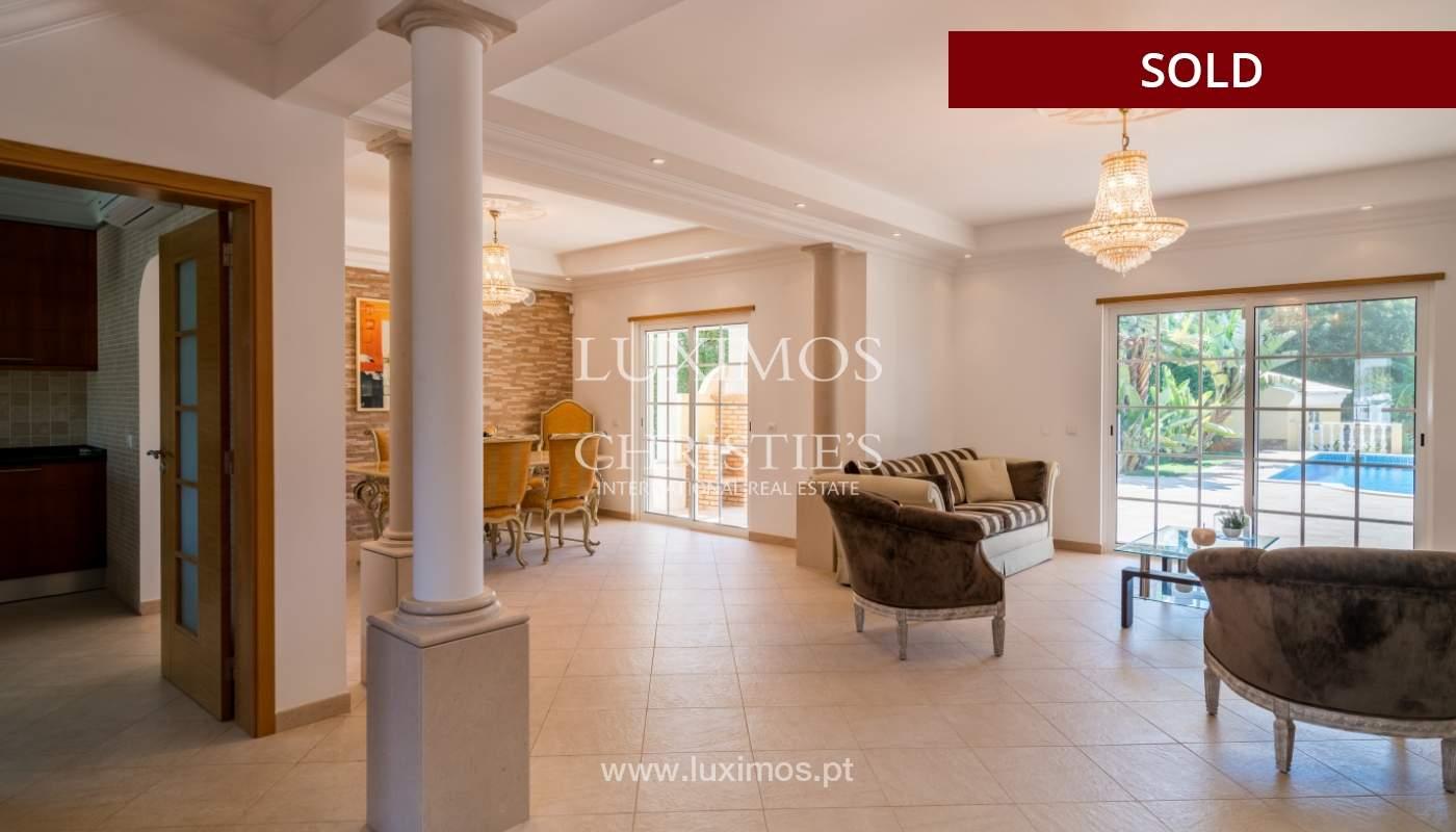 Venta de vivienda con piscina en Quarteira, Algarve, Portugal_105113
