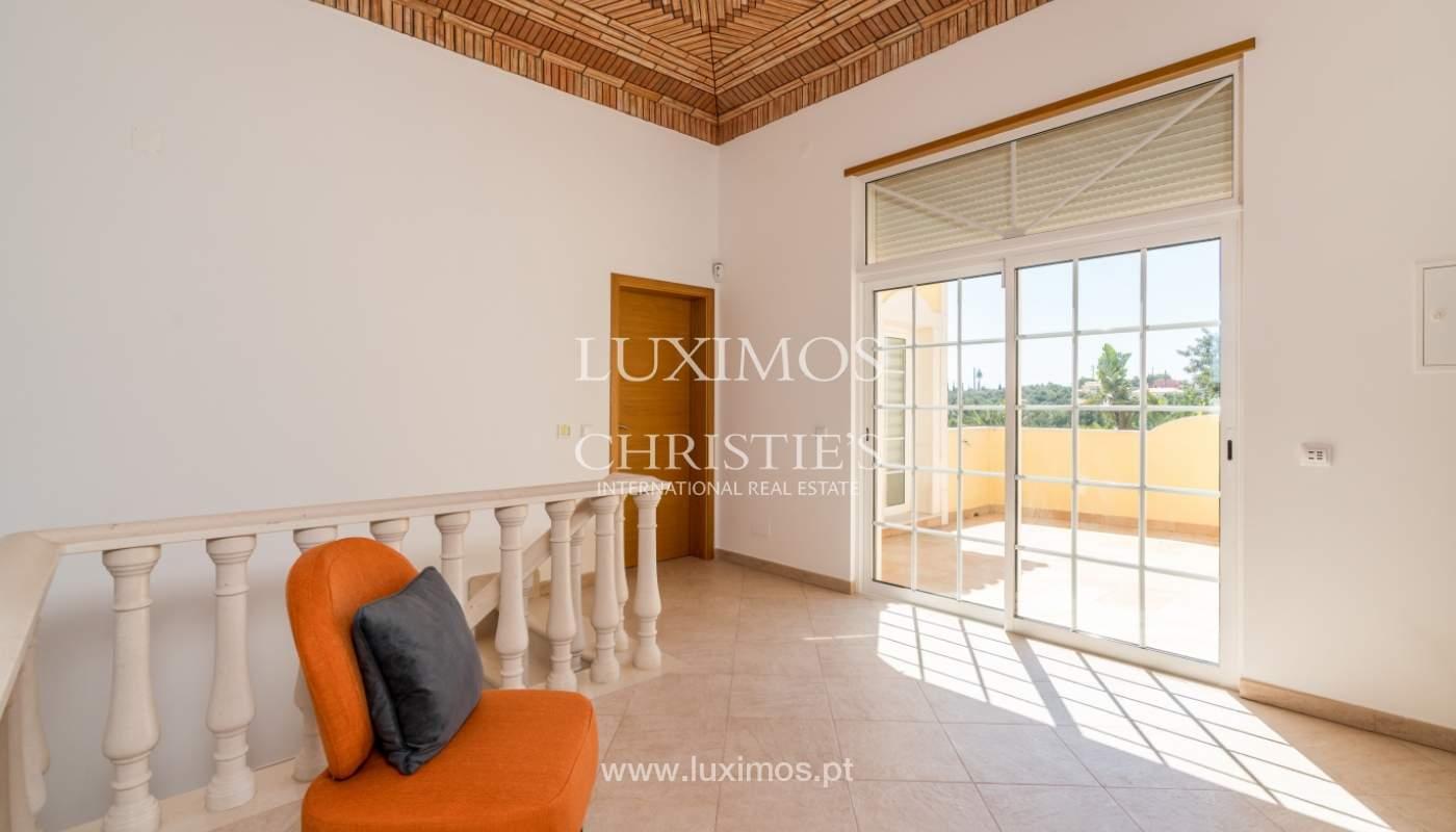 Venta de vivienda con piscina en Quarteira, Algarve, Portugal_105123
