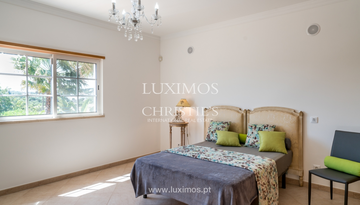 Venta de vivienda con piscina en Quarteira, Algarve, Portugal_105127