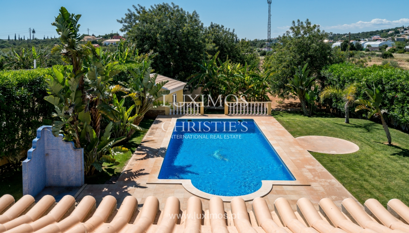 Sale of villa with swimming pool in Quarteira, Algarve, Portugal_105132