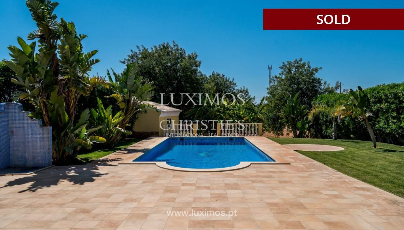 Sale of villa with swimming pool in Quarteira, Algarve, Portugal_105134