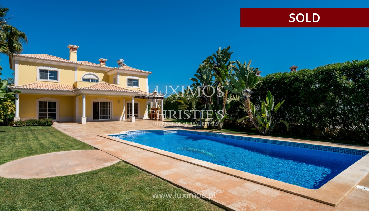 Sale of villa with swimming pool in Quarteira, Algarve, Portugal_105136