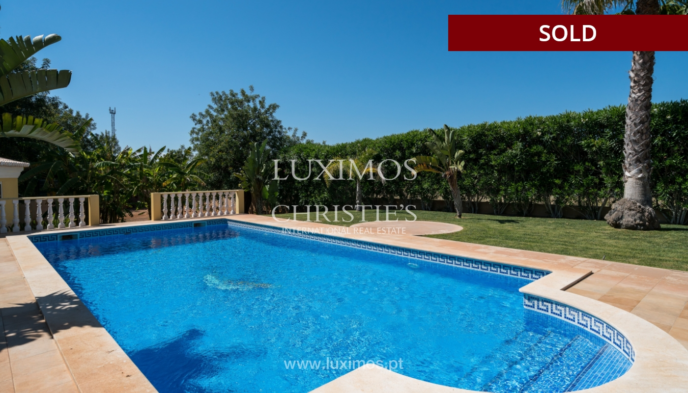 Sale of villa with swimming pool in Quarteira, Algarve, Portugal_105140
