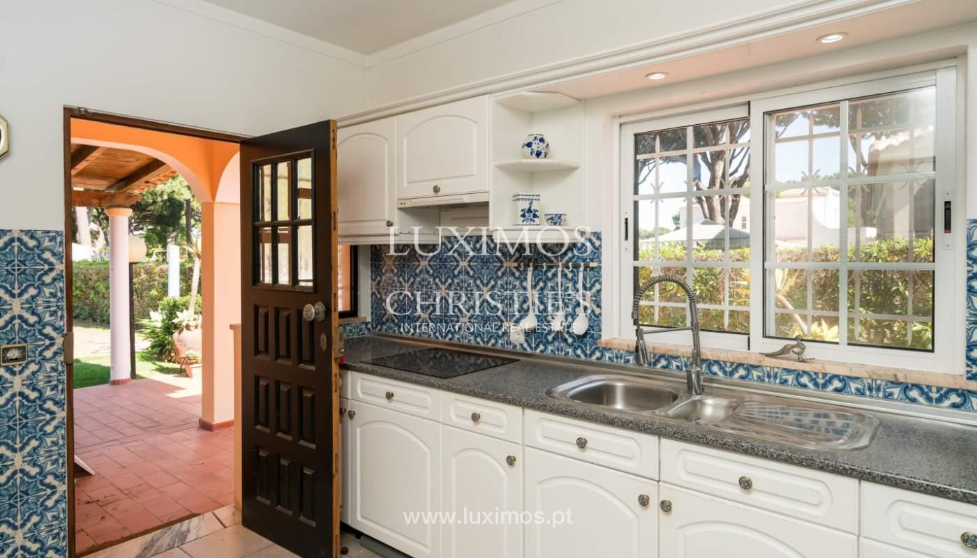 Sale of villa by golf course in Vilamoura, Algarve, Portugal_105429