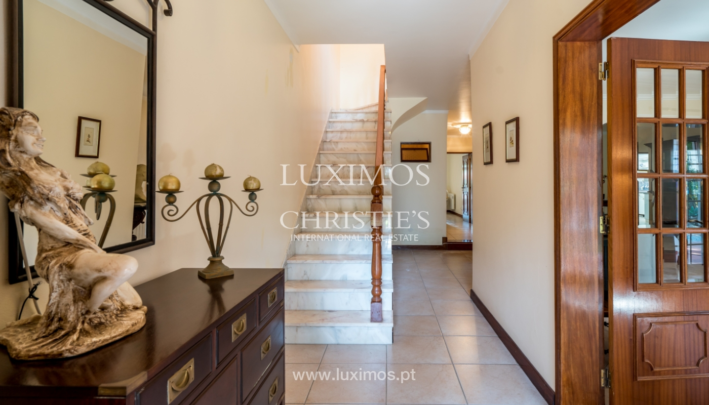 Sale of villa by golf course in Vilamoura, Algarve, Portugal_105435