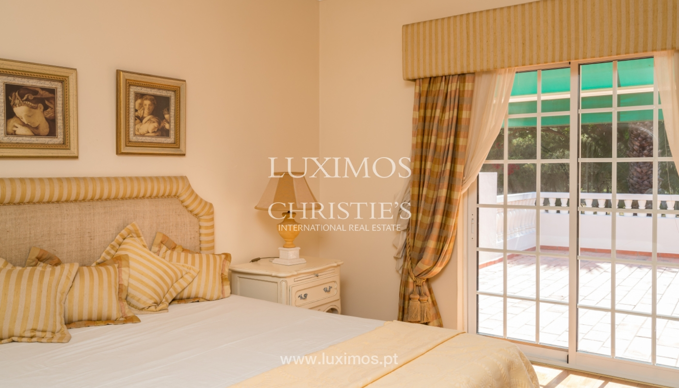 Sale of villa by golf course in Vilamoura, Algarve, Portugal_105437