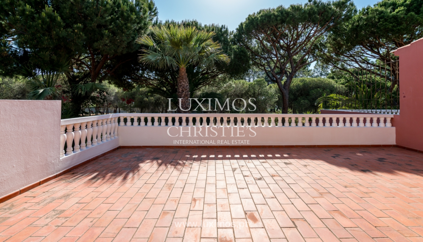 Venda de moradia junto ao golfe em Vilamoura, Algarve, Portugal_105440