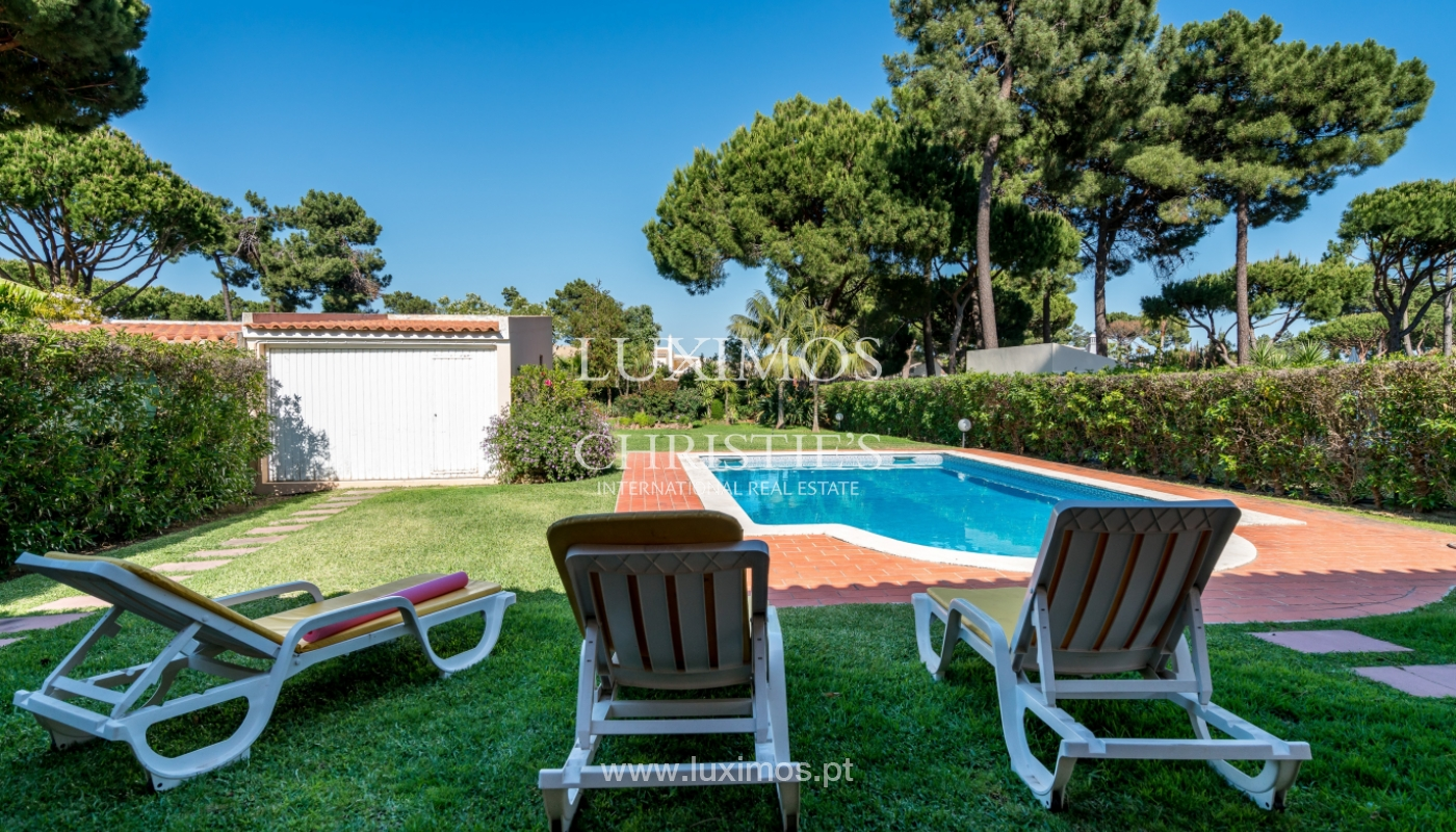 Sale of villa by golf course in Vilamoura, Algarve, Portugal_105451