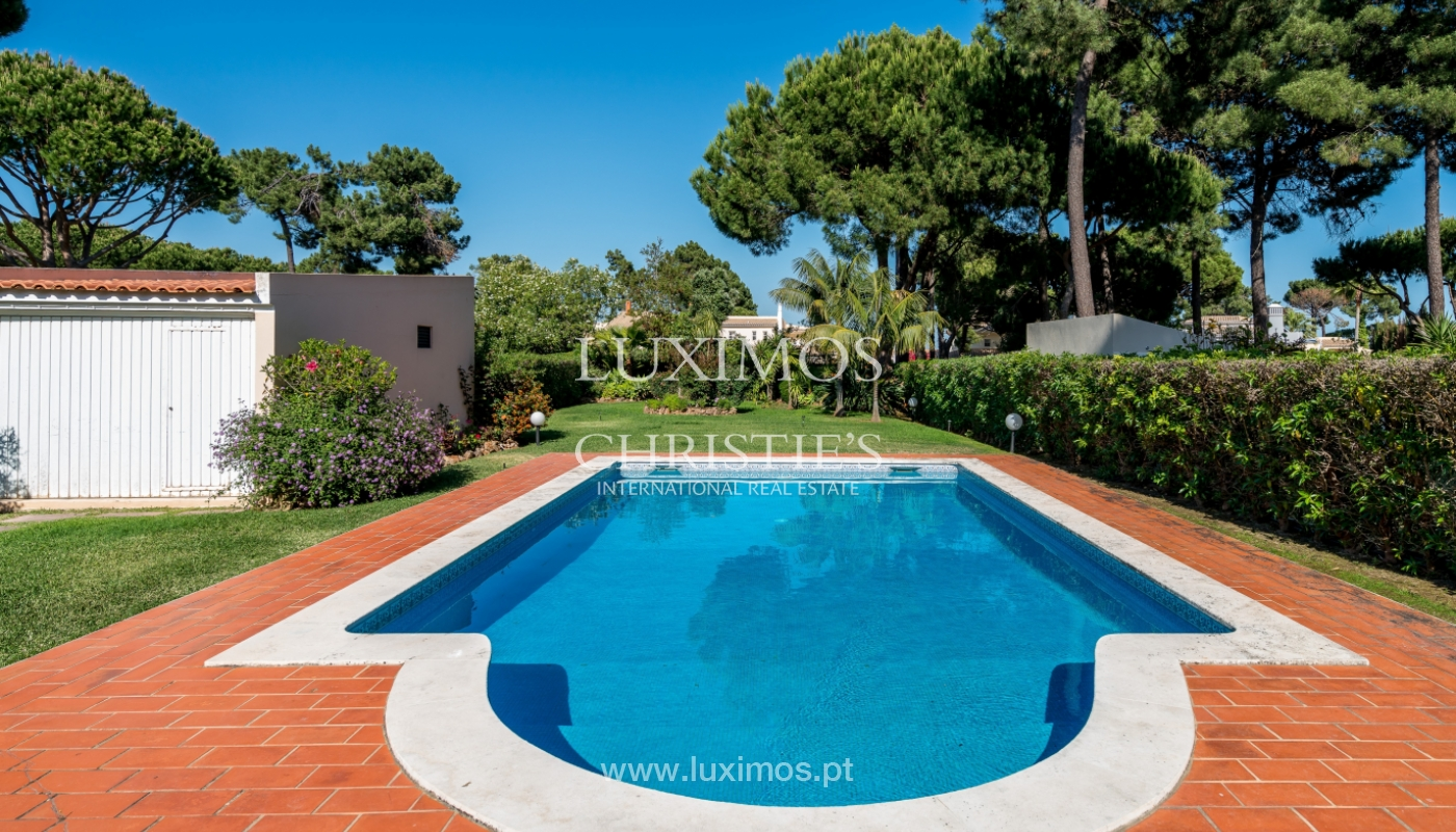 Sale of villa by golf course in Vilamoura, Algarve, Portugal_105452