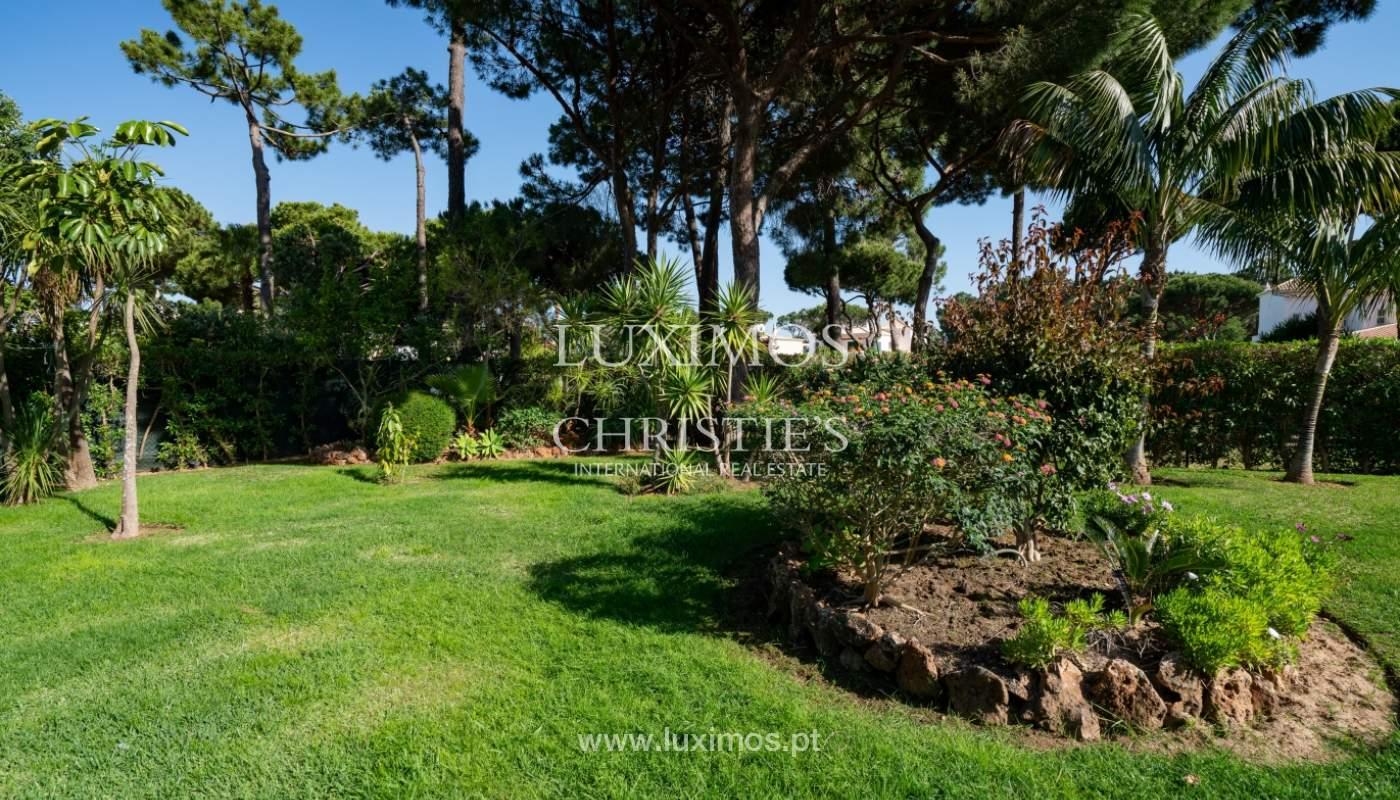 Sale of villa by golf course in Vilamoura, Algarve, Portugal_105454