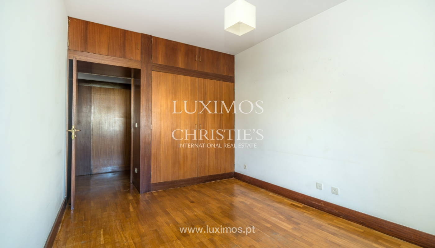 Sale of apartment in a quiet condominium, Senhora da Hora, Portugal_105809