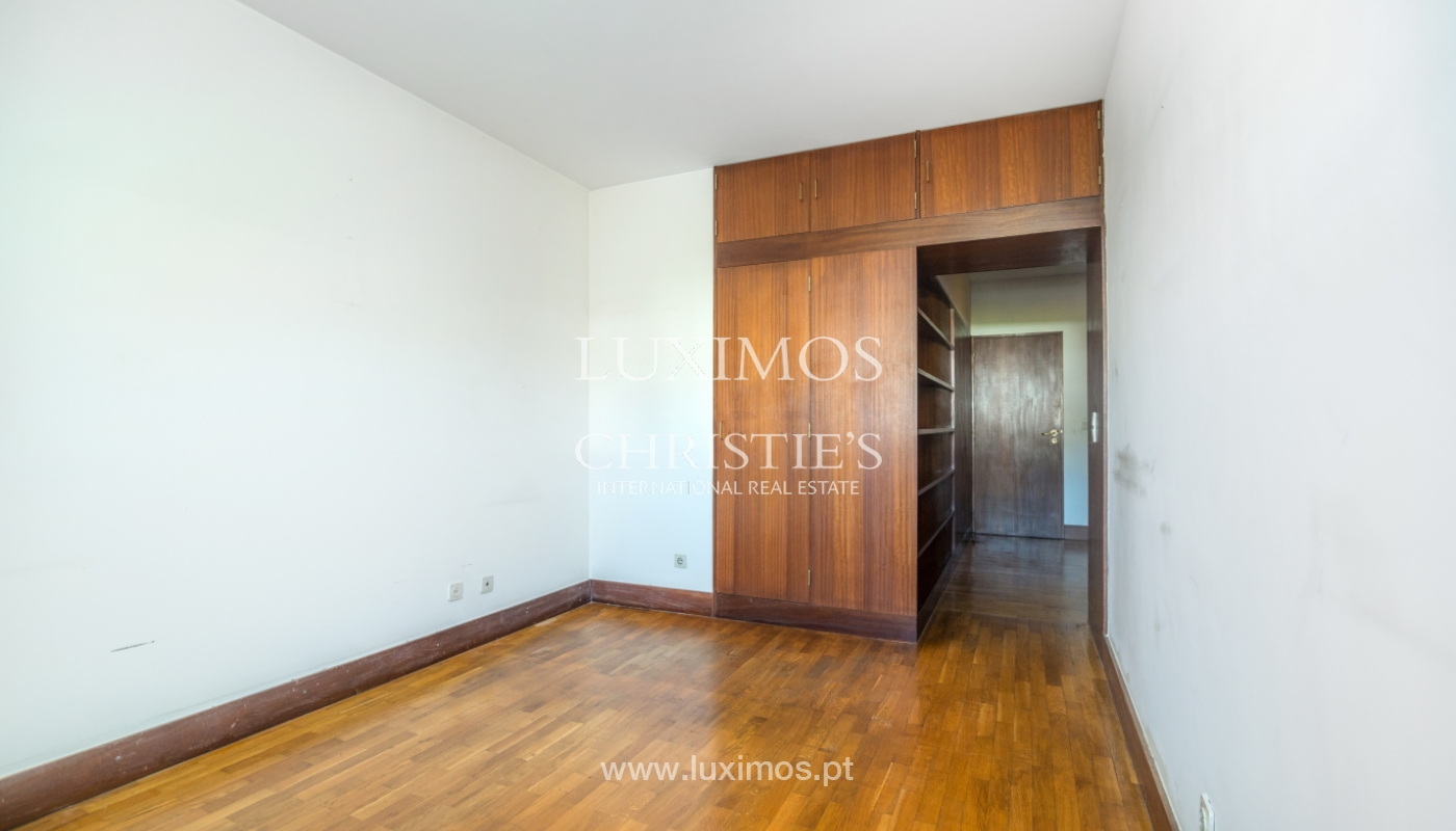 Sale of apartment in a quiet condominium, Senhora da Hora, Portugal_105813