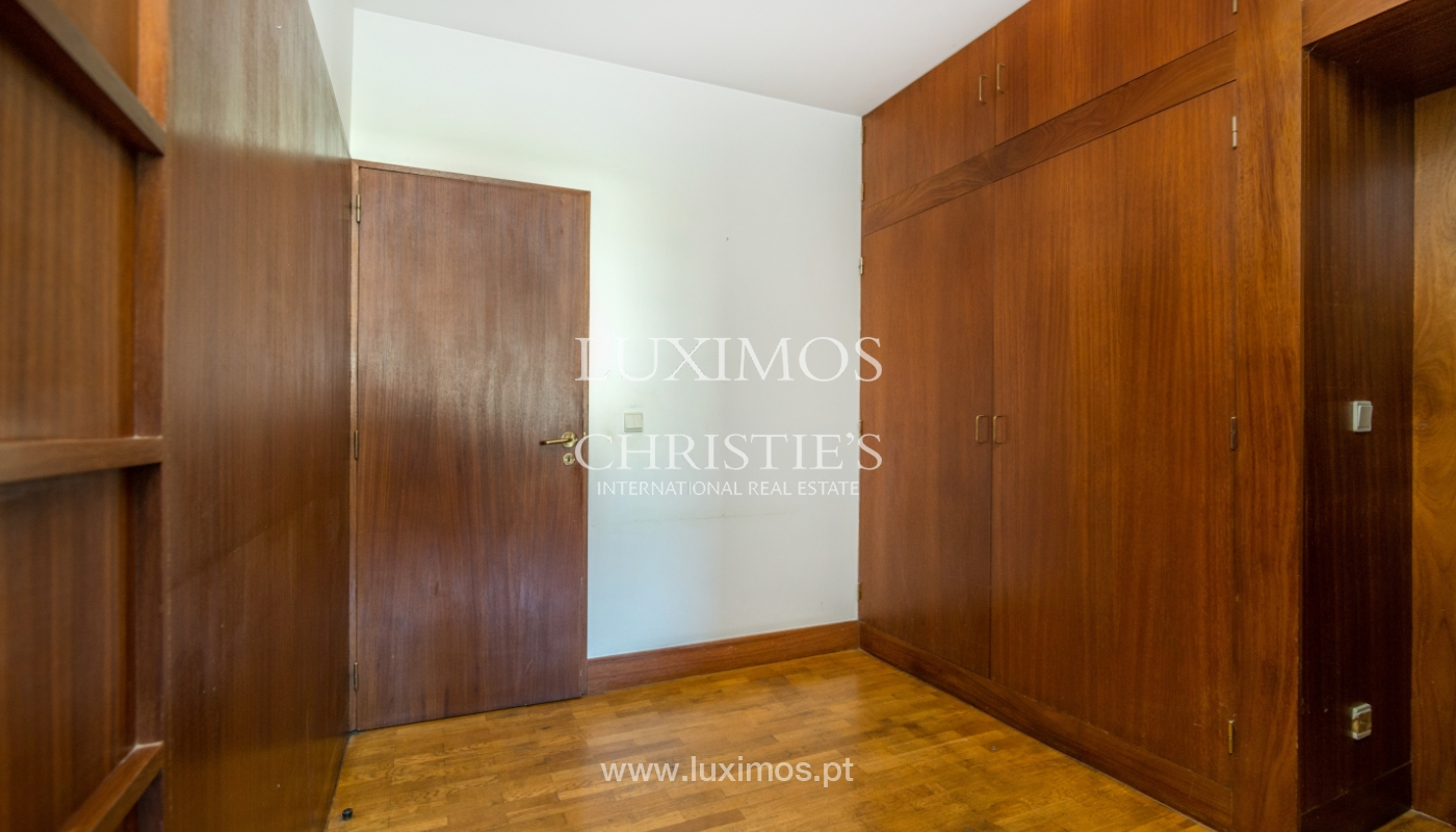 Sale of apartment in a quiet condominium, Senhora da Hora, Portugal_105814