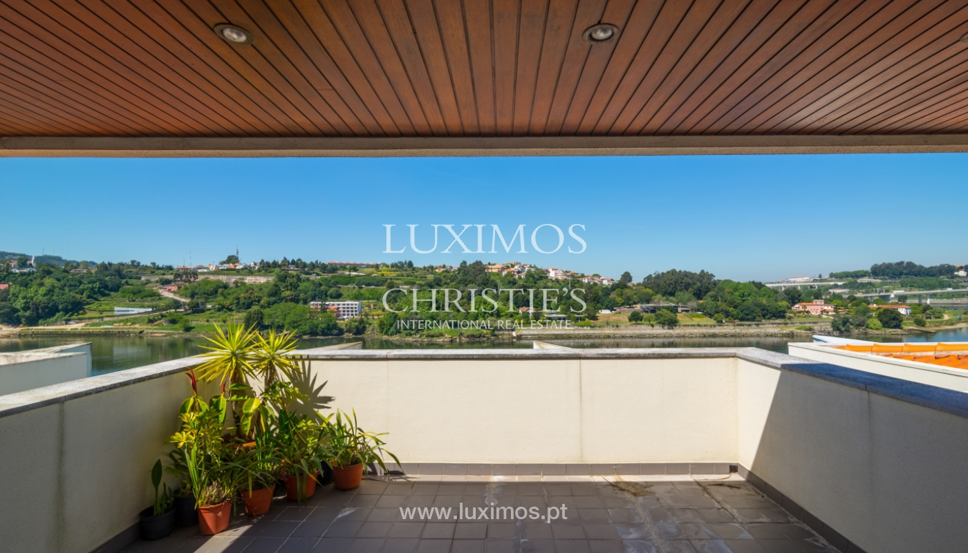 Sale of luxury house w/ pool and river front, Porto, Portugal_105861