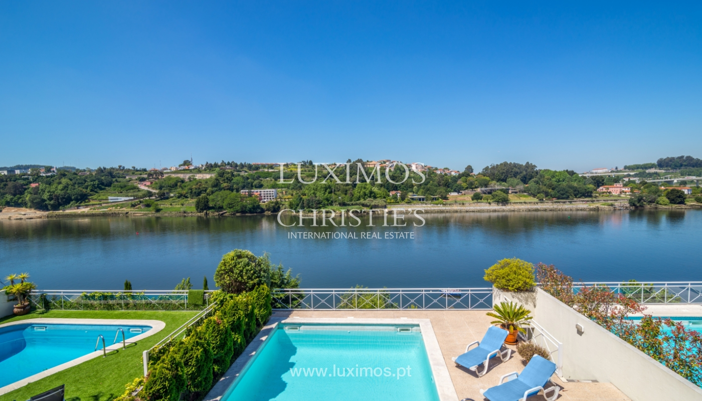 Sale of luxury house w/ pool and river front, Porto, Portugal_105869