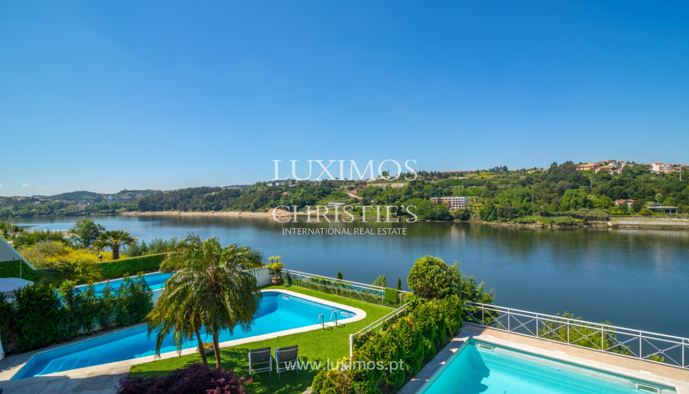 Sale of luxury house w/ pool and river front, Porto, Portugal_105870