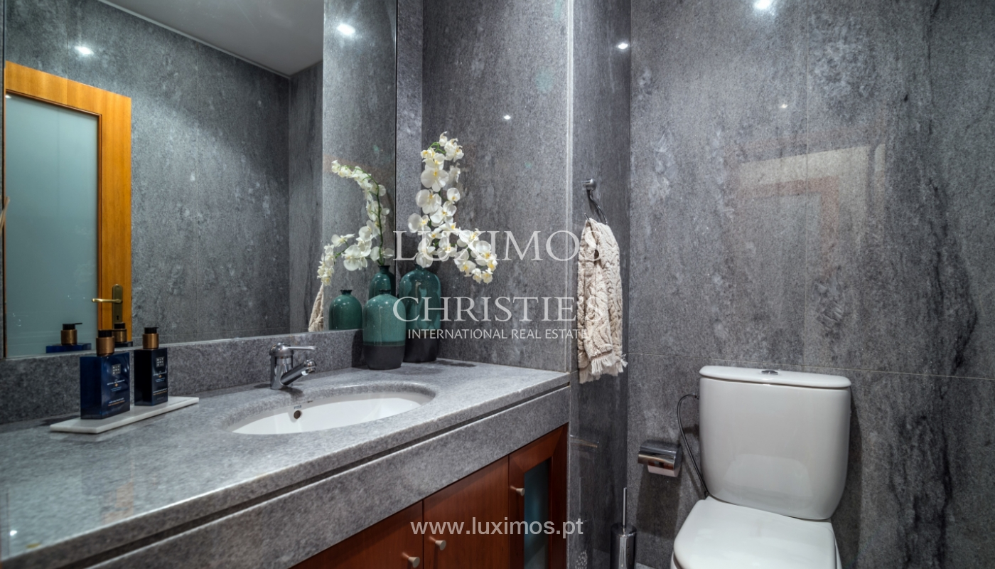 Sale of luxury house w/ pool and river front, Porto, Portugal_105876