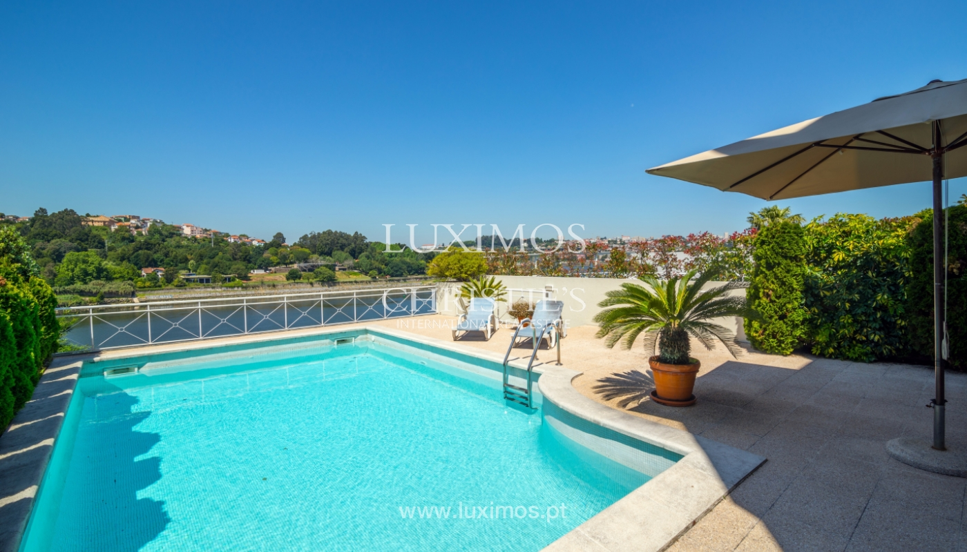 Sale of luxury house w/ pool and river front, Porto, Portugal_105879