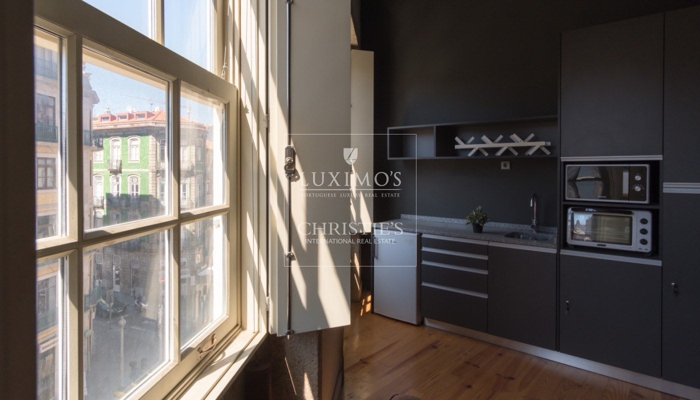 Sale of building with commercial and residential area, Porto, Portugal_105941