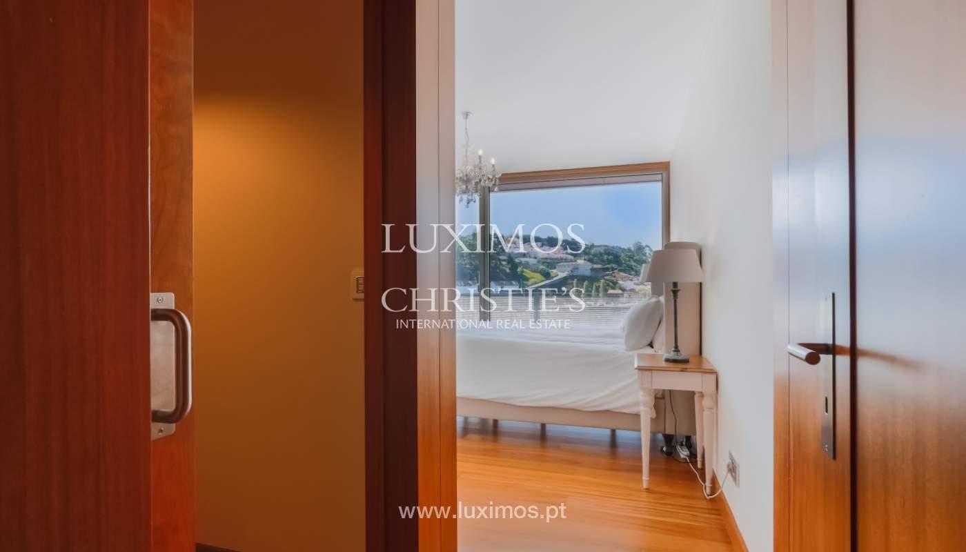Sale of luxury apartment with river views, private condo, Porto, Portugal_106064