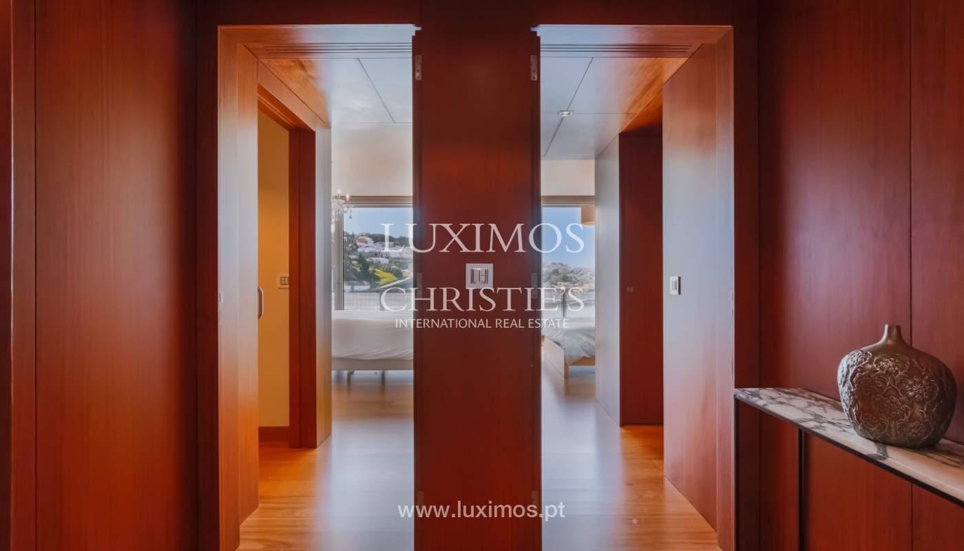 Sale of luxury apartment with river views, private condo, Porto, Portugal_106065