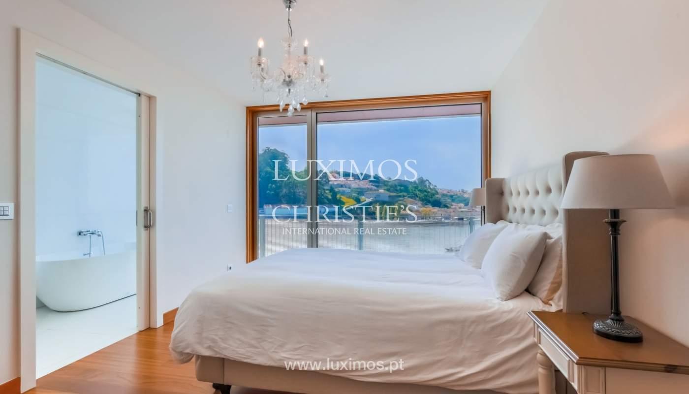 Sale of luxury apartment with river views, private condo, Porto, Portugal_106069