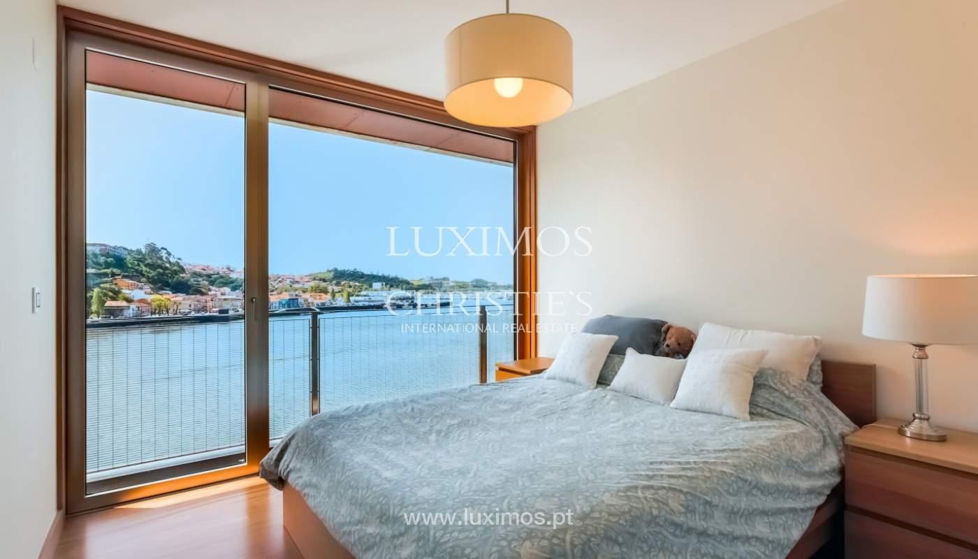 Sale of luxury apartment with river views, private condo, Porto, Portugal_106070