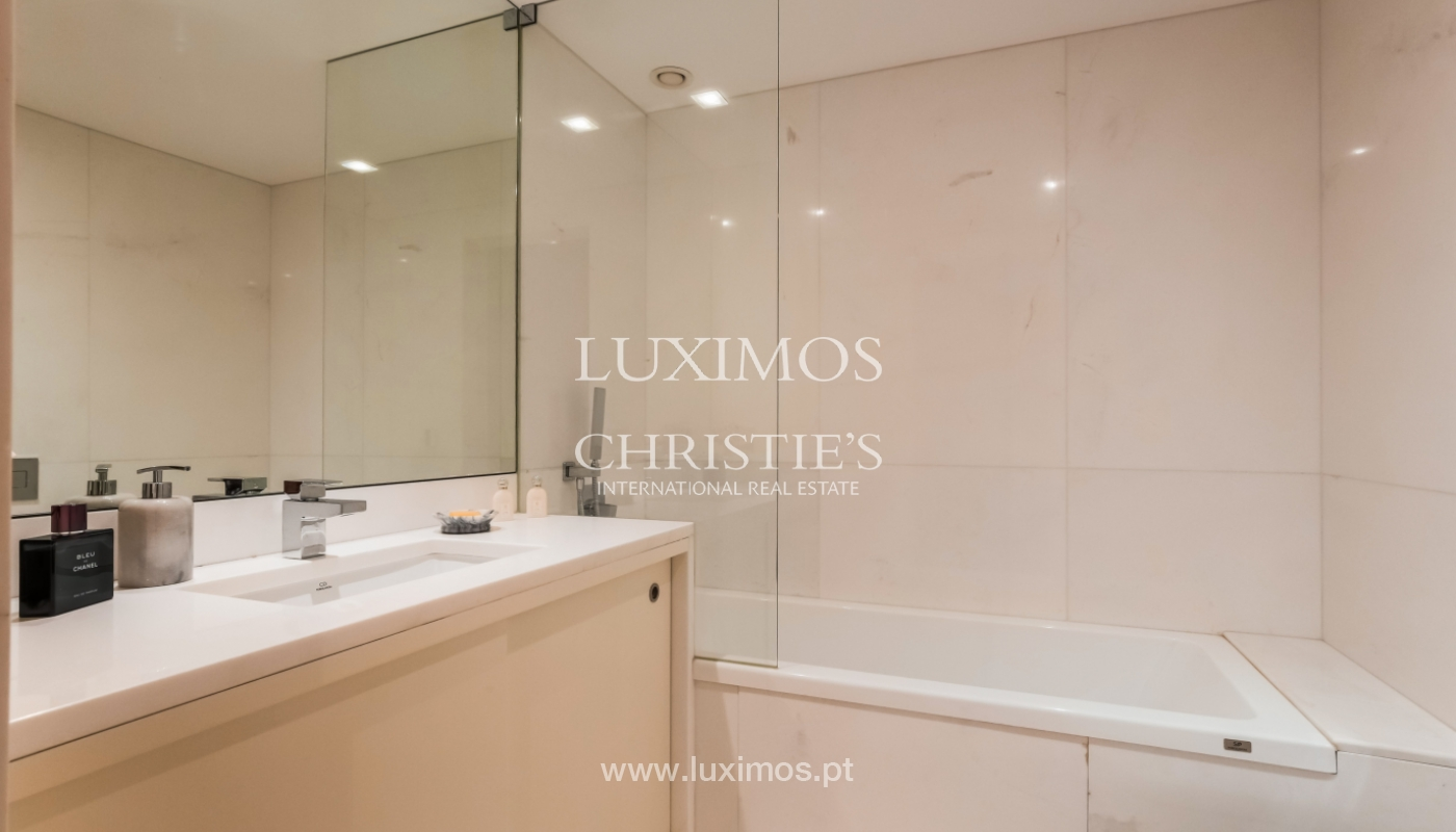 Sale of luxury apartment with river views, private condo, Porto, Portugal_106071