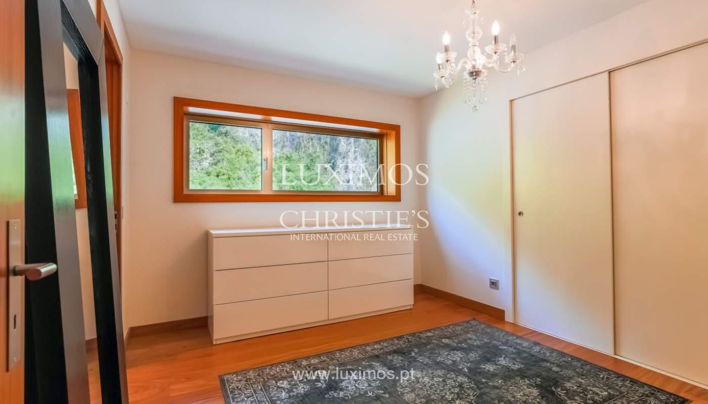 Sale of luxury apartment with river views, private condo, Porto, Portugal_106072