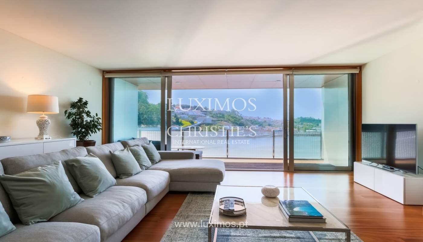 Sale of luxury apartment with river views, private condo, Porto, Portugal_106075