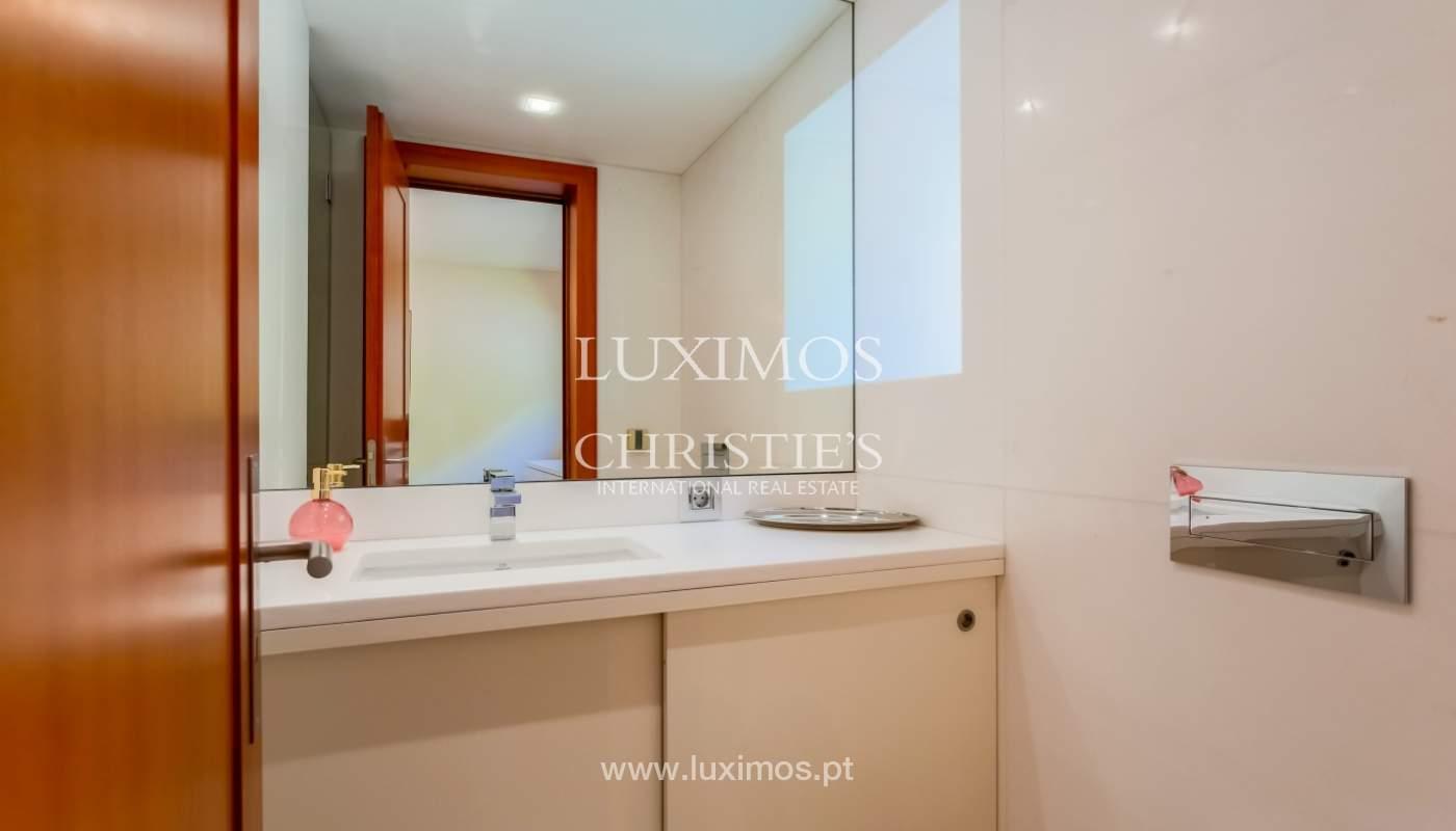 Sale of luxury apartment with river views, private condo, Porto, Portugal_106076