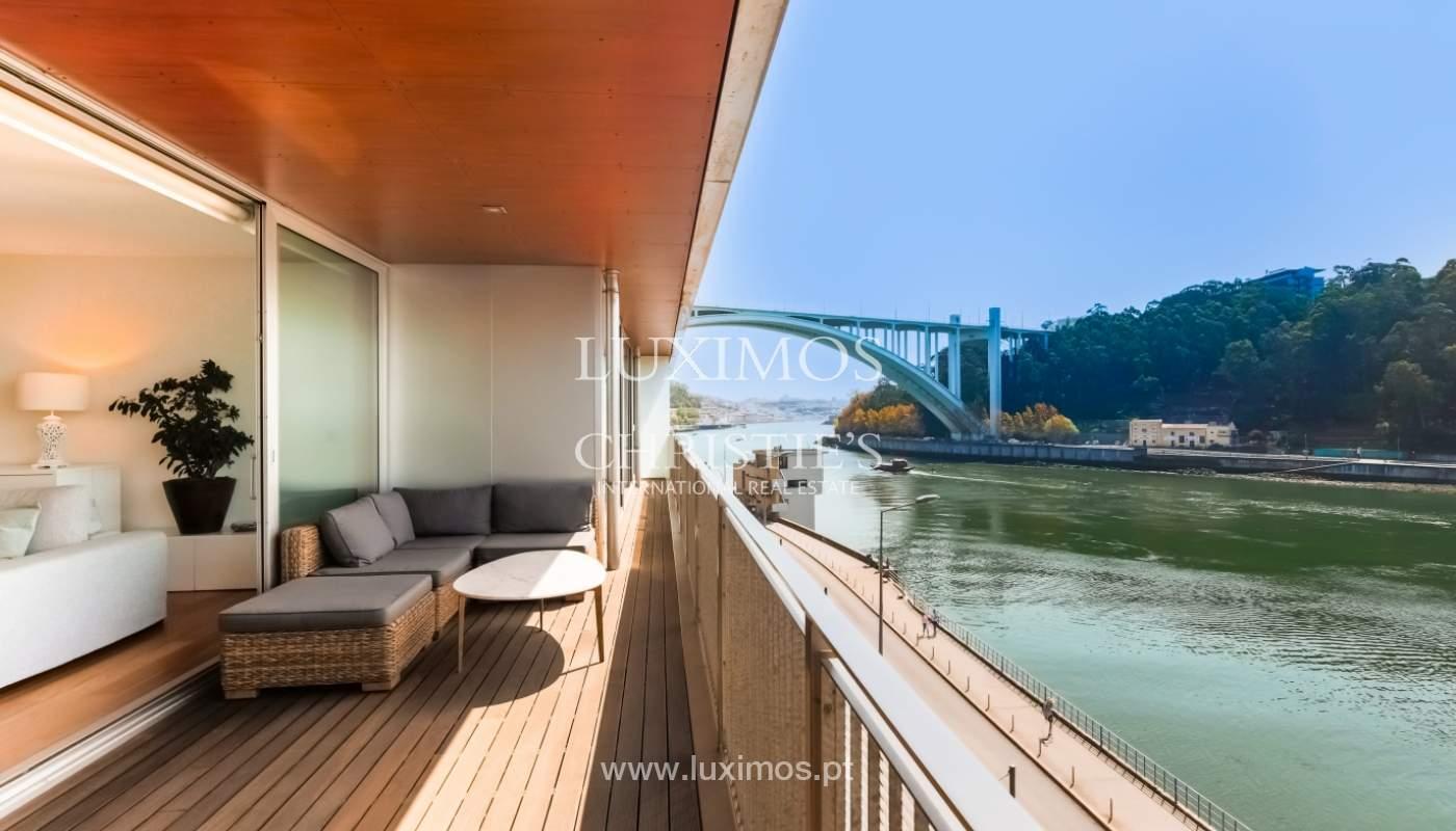 Sale of luxury apartment with river views, private condo, Porto, Portugal_106079