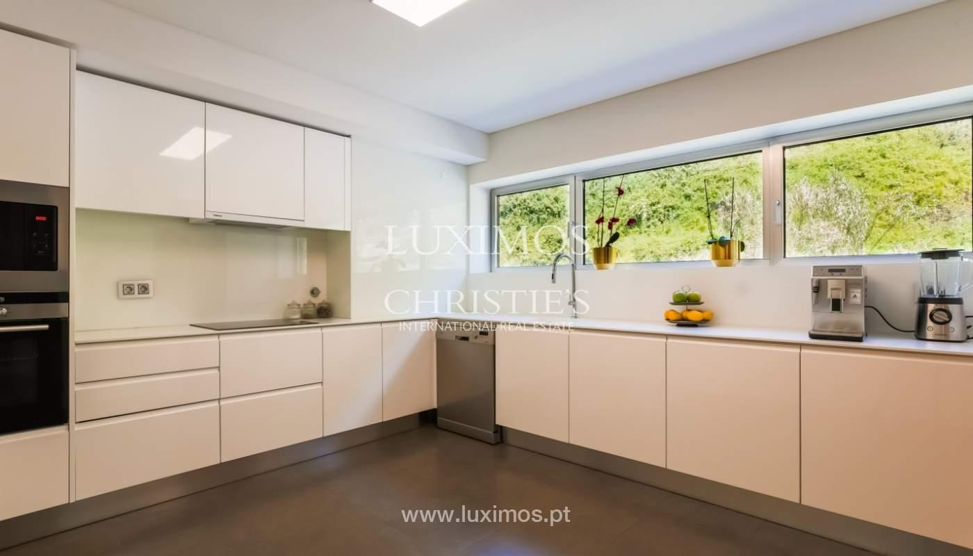 Sale of luxury apartment with river views, private condo, Porto, Portugal_106080