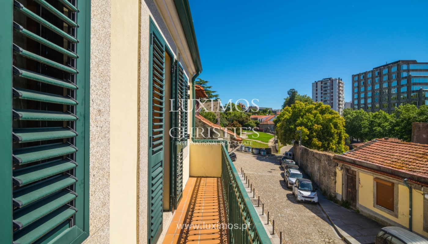 Sale of renovated house, next to the river, Porto, Portugal_106150