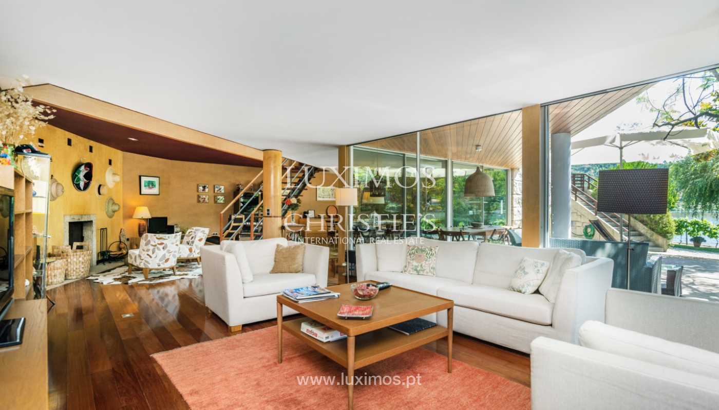 Venda de moradia com 100m de frente de rio, piscina e jardim, Baião_107009