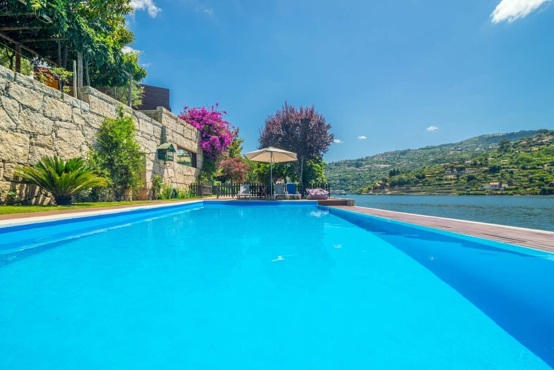 den-verkauf-der-residenz-einen-pool-und-einen-garten-baiao-portugal