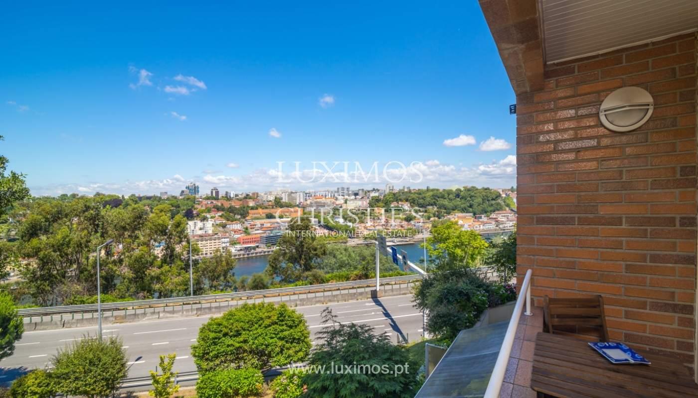 Der Verkauf einer Wohnung in einer geschlossenen Wohnanlage mit Garten und swimming-pool, Vila Nova Gaia, Portugal_107162